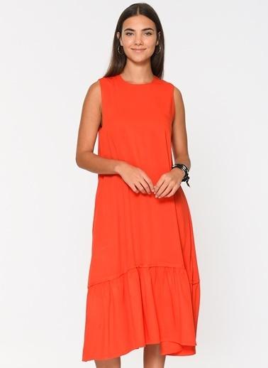 Loves You Eteği Volanlı Tensel Elbise Kırmızı